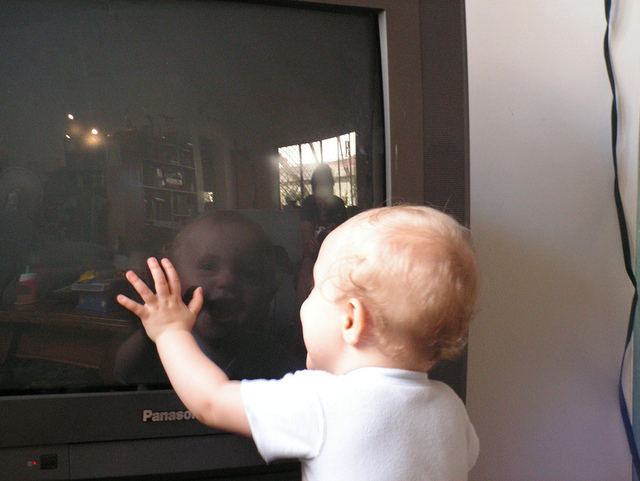 It's official: to protect baby's brain, turn off the TV