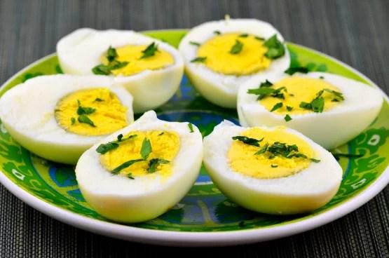 البيض لتكبير المؤخره