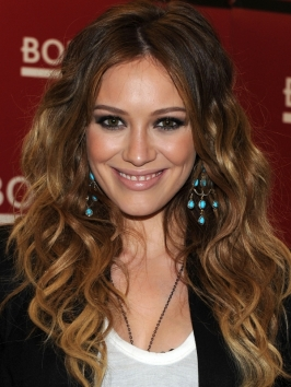 Hilary Duff Wavy Tousled Hairstyle Makeup Tips And Fashion