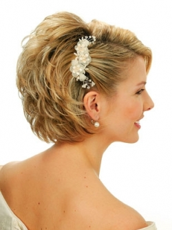 Short Wedding Hairstyles Makeup Tips And Fashion