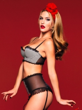 3962ed1c8b4 ... the hot Pin-Up lingerie trends presented below. These include indeed  the stylish corsets