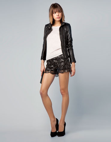 https://i2.wp.com/static.bershka.net/4/photos/2012/I/0/1/p/8816/188/800/8816188800_1_1_3.jpg