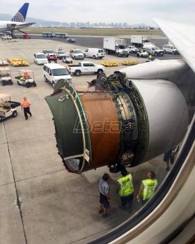 Avion bezbedno sleteo u Honolulu iako su mu tokom leta otpadali delovi (VIDEO)