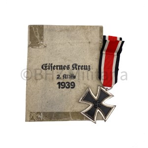 Iron Cross 2nd Class 1939 Walter & Henlein with Bag