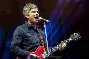 Noel Gallagher chi è: concerto primo maggio, canzone We're On Our Way Now, età, altezza, moglie Sara MacDonald, figli, vita privata, vero nome, biografia e carriera