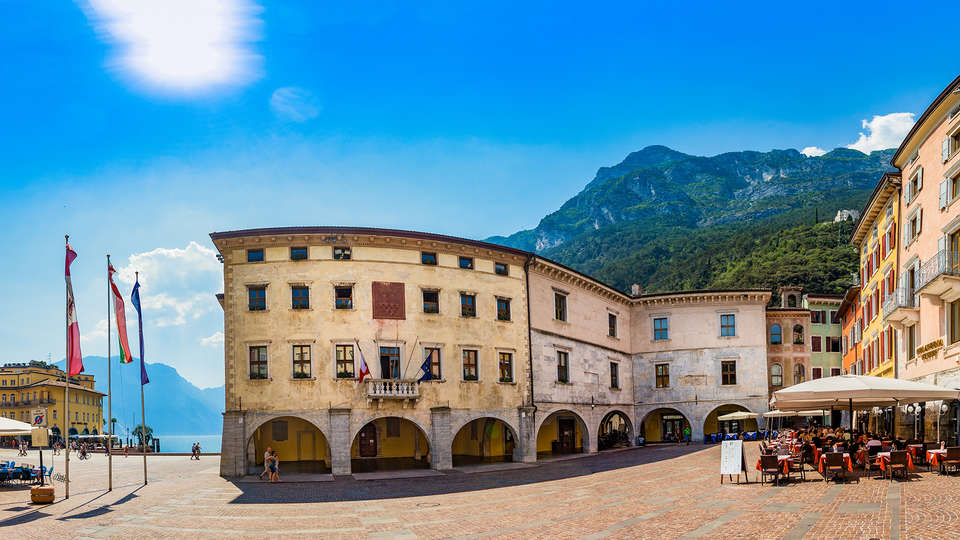 Hotel Portici - Romantik&Wellness - edit_Portici_Panoramica-ok.jpg