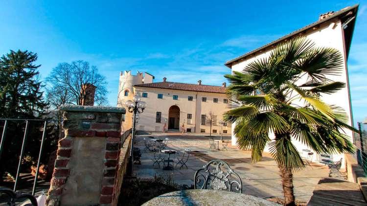 Castle of Cortanze - EDIT_front34.jpg