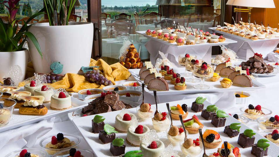 Poiano Resort - EDIT_buffet1.jpg