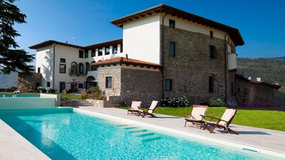 Podere Castel Merlo - EDIT_NEW_pool.jpg