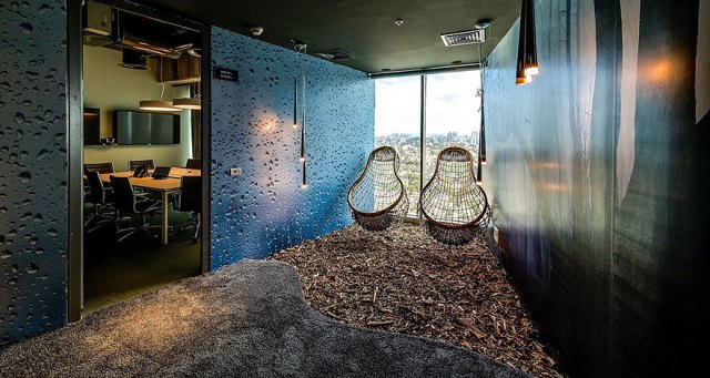 amazing-creative-workspaces-office-spaces-12-13