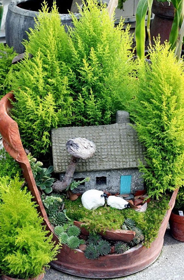 broken-pot-fairy-garden-3