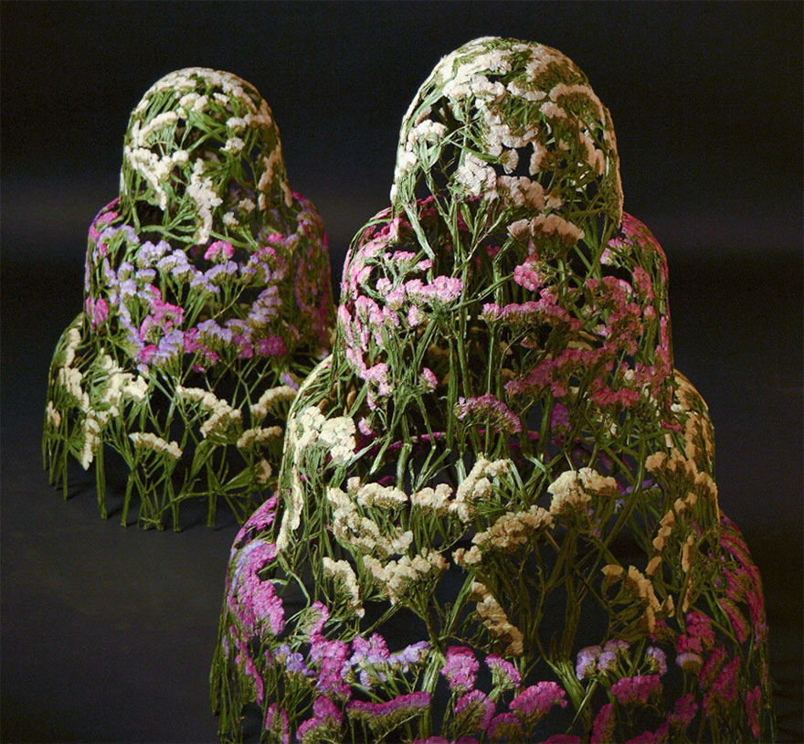 Spanish-Artist-Creates-Delicate-Pressed-Flower-Sculptures-15