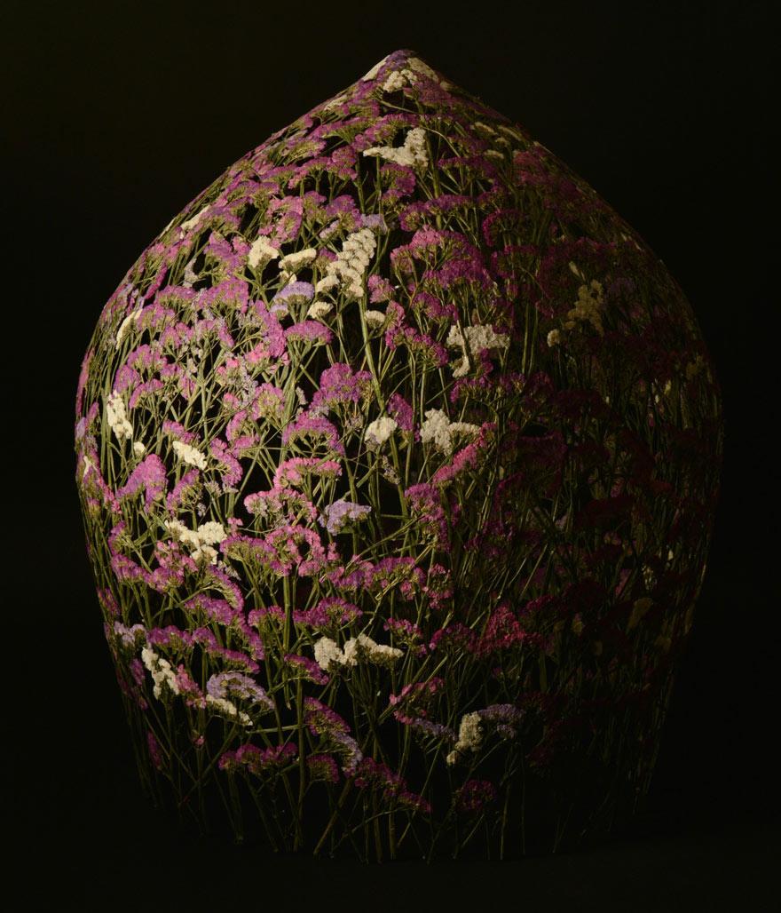 Spanish-Artist-Creates-Delicate-Pressed-Flower-Sculptures-17