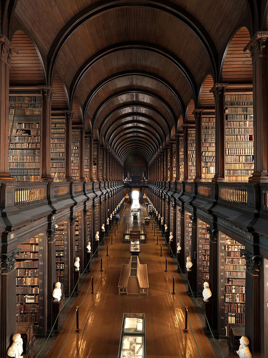 Trinity College Library, Dublino, Irlanda