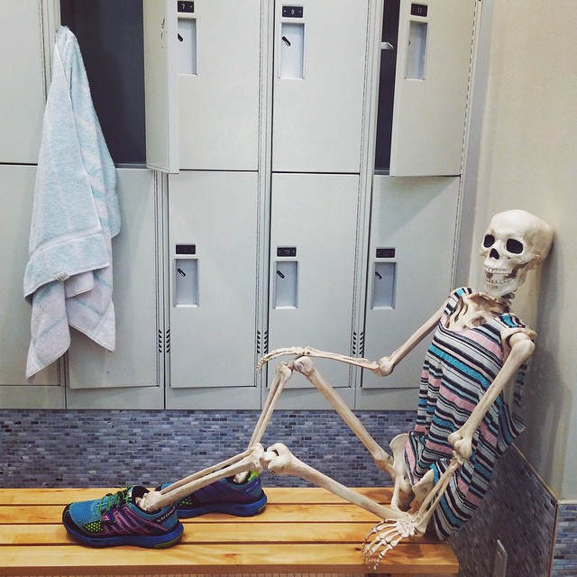 skeleton-daily-life-photography-5