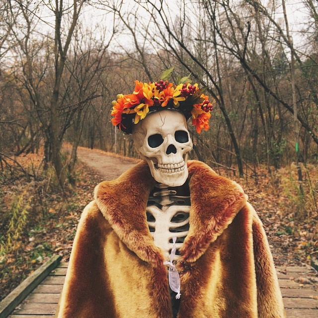 skeleton-daily-life-photography-7