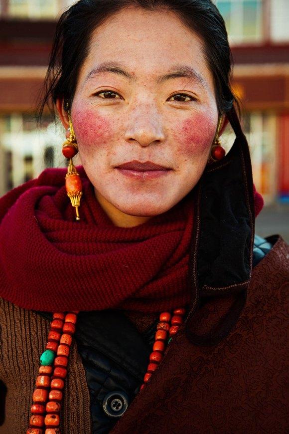 different-countries-women-portrait-photography-michaela-noroc-15-tibet-china