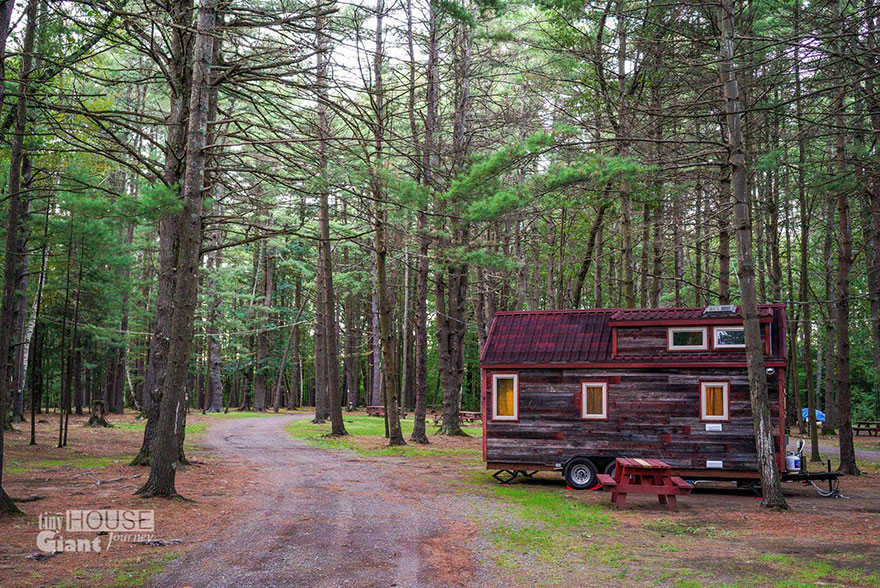 tiny-house-giant-journey-mobile-home-jenna-guillame-11