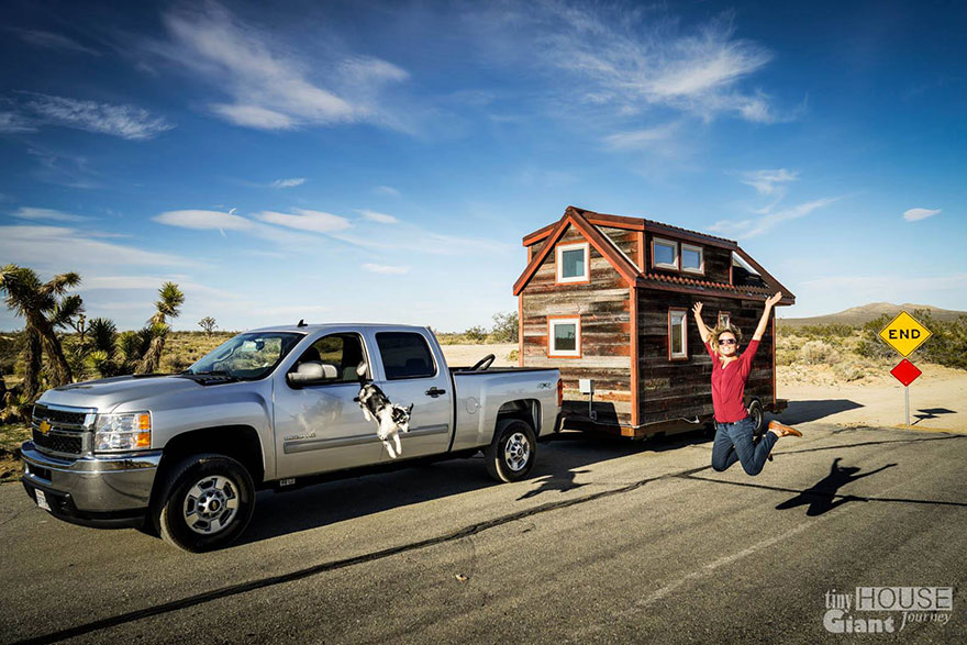tiny-house-giant-journey-mobile-home-jenna-guillame-13