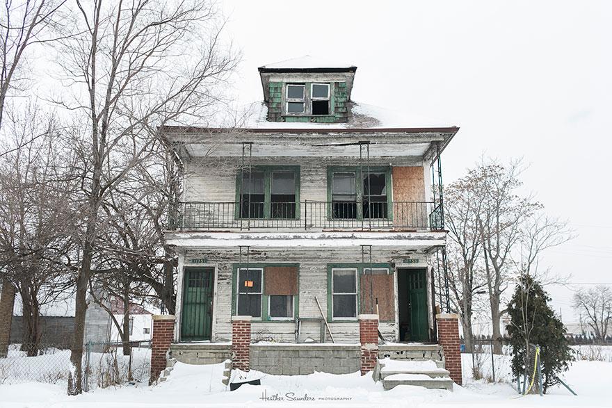 abandoned-flower-garden-house-building-detroit-lisa-waud-3