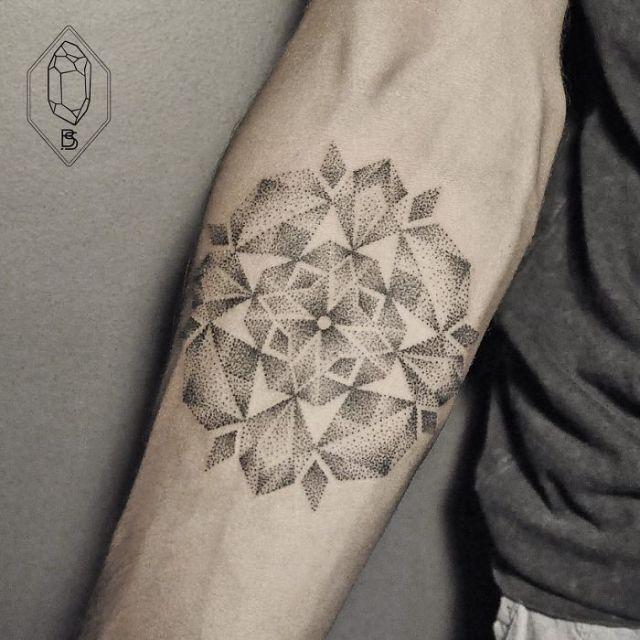 dotwork-line-geometric-tattoo-bicem-sinik-31