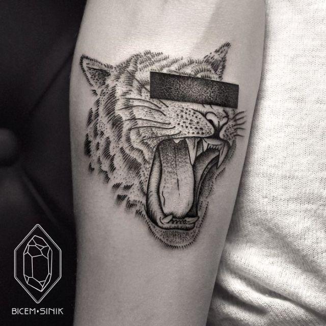 dotwork-line-geometric-tattoo-bicem-sinik-6