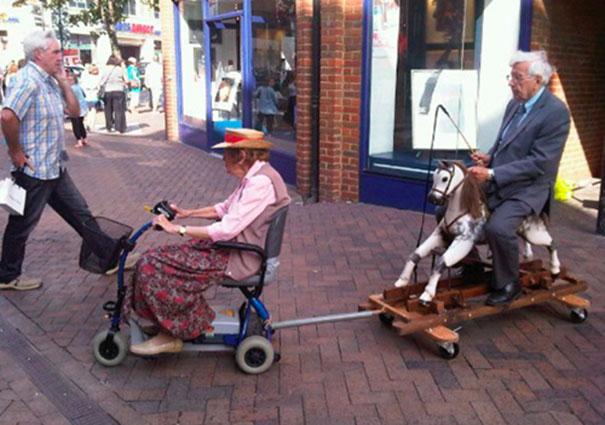 https://i2.wp.com/static.boredpanda.com/blog/wp-content/uploads/2015/05/old-couples-having-fun-24__605.jpg