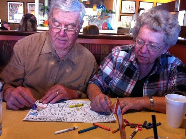 https://i2.wp.com/static.boredpanda.com/blog/wp-content/uploads/2015/05/old-couples-having-fun-4__605.jpg