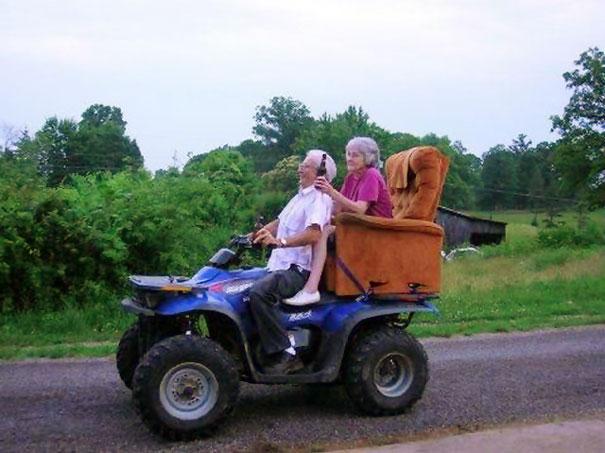 https://i2.wp.com/static.boredpanda.com/blog/wp-content/uploads/2015/05/old-couples-having-fun-7__605.jpg