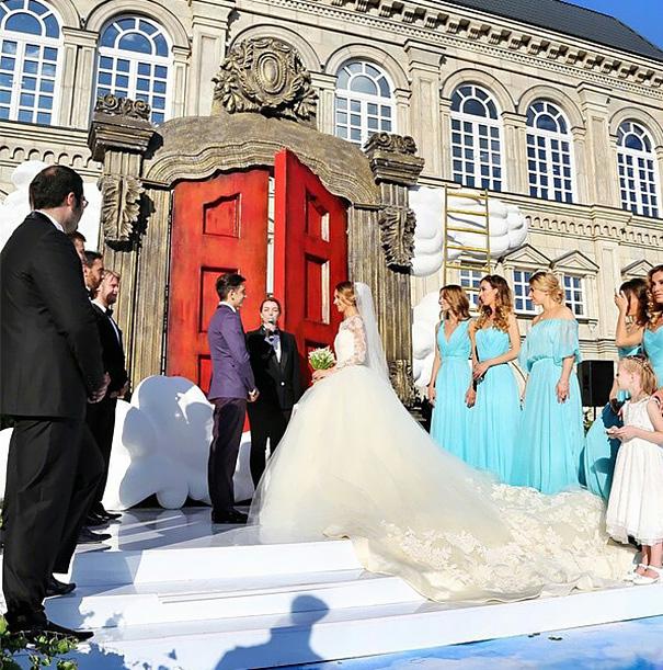 wedding-photos-follow-me-to-couple-murad-osmann-natalia-zakharova-34