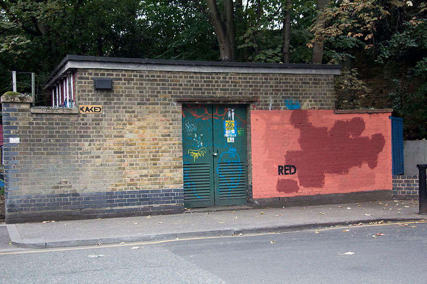 red-wall-graffiti-experiment-london-mobstr-curious-frontier-5