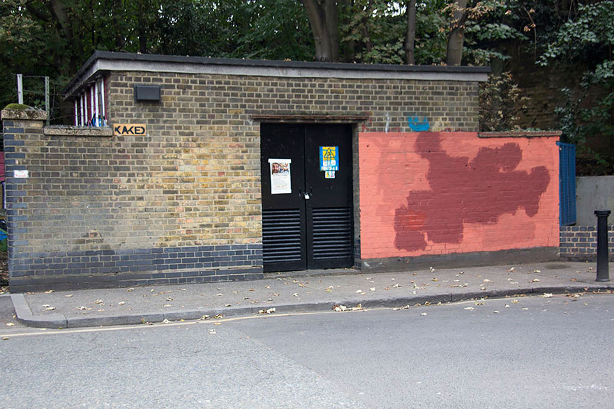 red-wall-graffiti-experiment-london-mobstr-curious-frontier-6