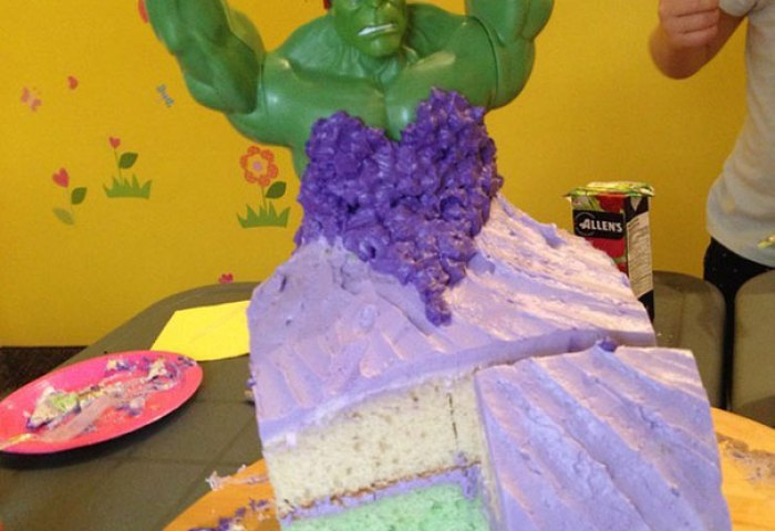 4 Year Old Twin Girls Wanted Hulk Princess Cake For Their Birthday