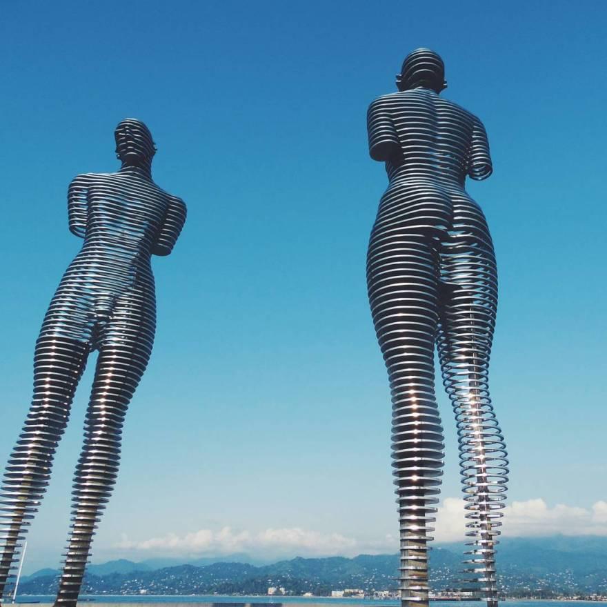 metal-statue-love-story-ali-nino-tamara-kvesitadze-georgia-3