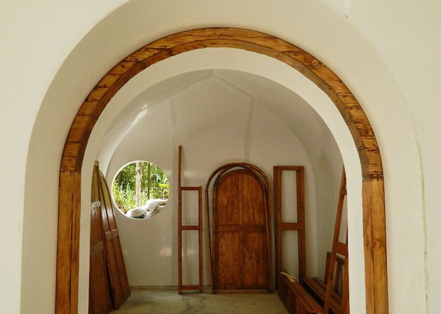 hobbit-holes-eco-friendly-houses-green-magic-homes-23