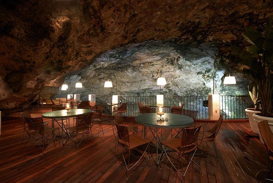 italian-cave-restaurant-grotta-palazzese-polignano-mare-2
