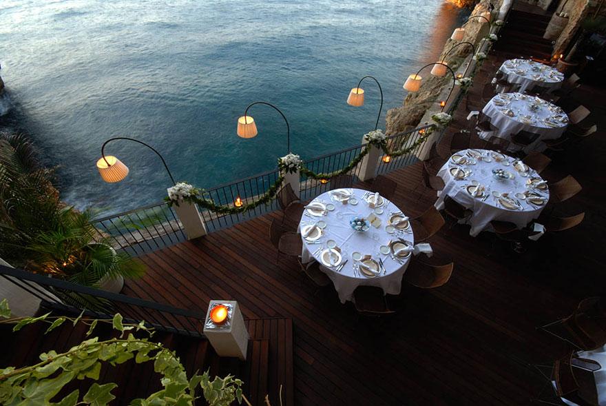 italian-cave-restaurant-grotta-palazzese-polignano-mare-9