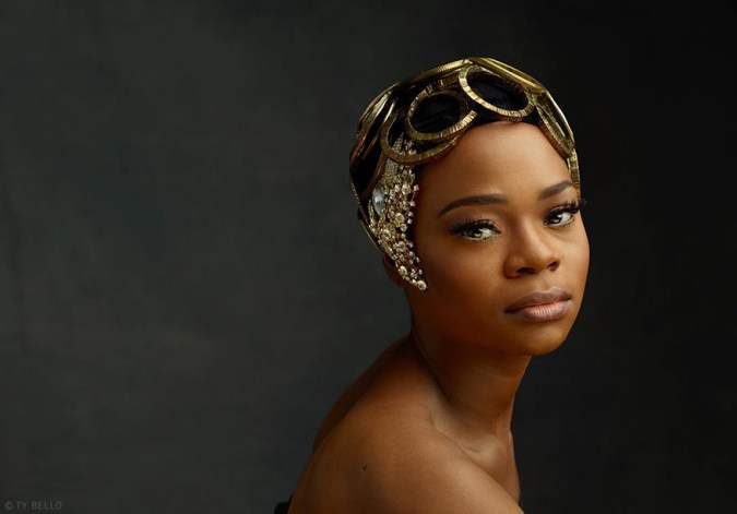 bread-seller-photobomb-modeling-contract-olajumoke-orisaguna-4