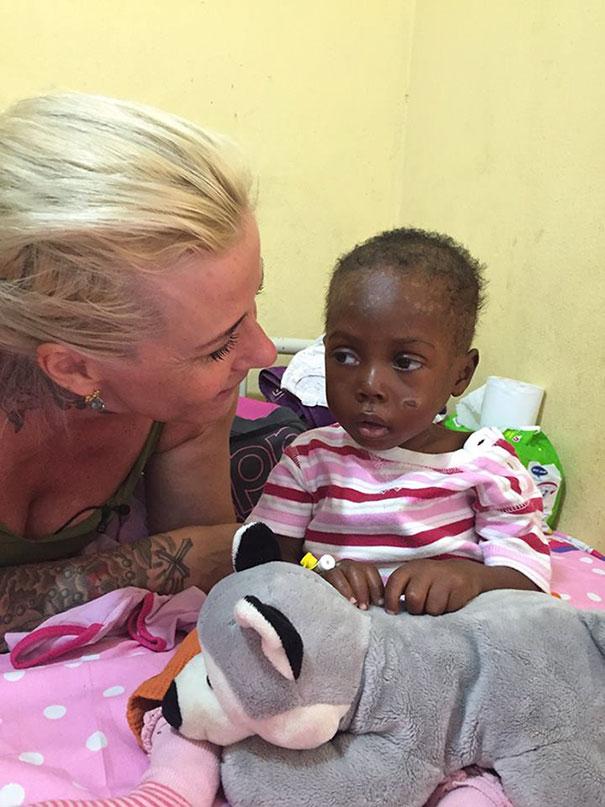 nigerian-morire di fame-sete-boy-speranza-salvato-anja-Ringgren-loven-28