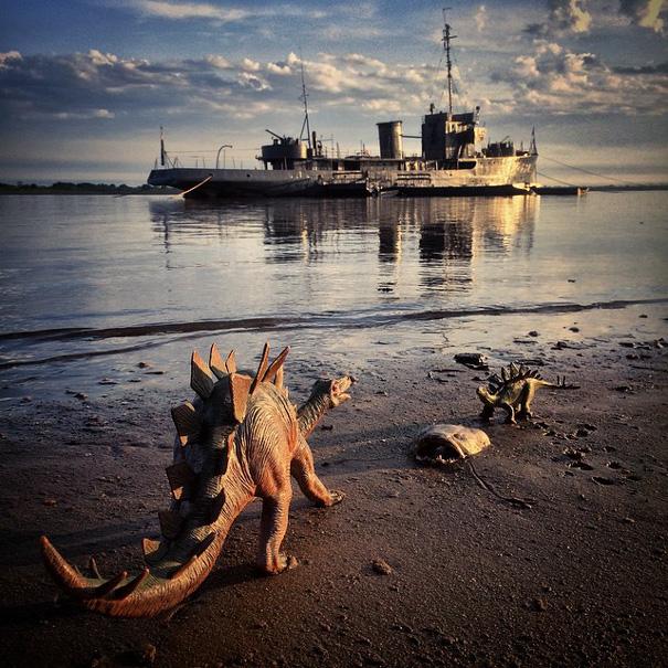 travel-photography-dinosaur-toys-dinodinaseries-jorge-saenz-179