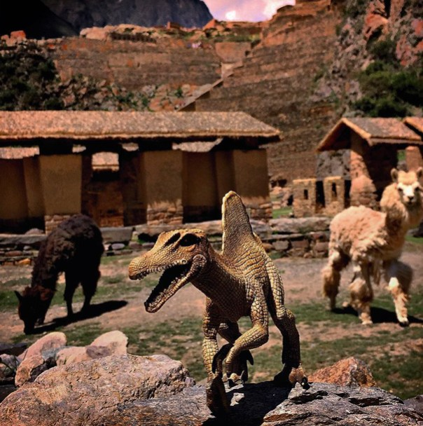travel-photography-dinosaur-toys-dinodinaseries-jorge-saenz-192