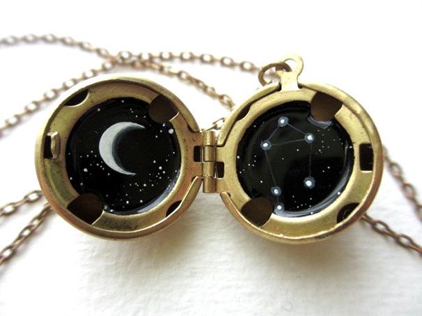 miniature-astromony-oil-painting-jewelry-rustic-lockets-khara-ledonne-21