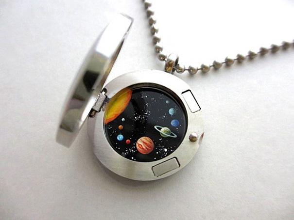 miniature-astromony-oil-painting-jewelry-rustic-lockets-khara-ledonne-22