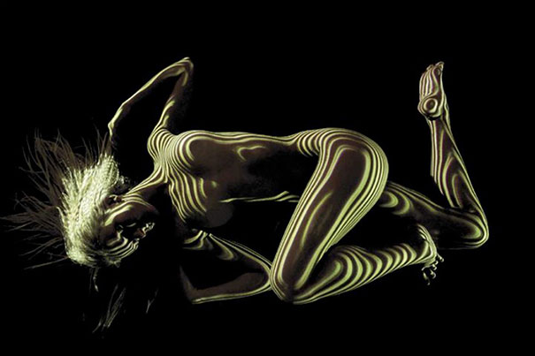 woman-portraits-light-stripes-patterns-shadow-photography-dani-olivier-7