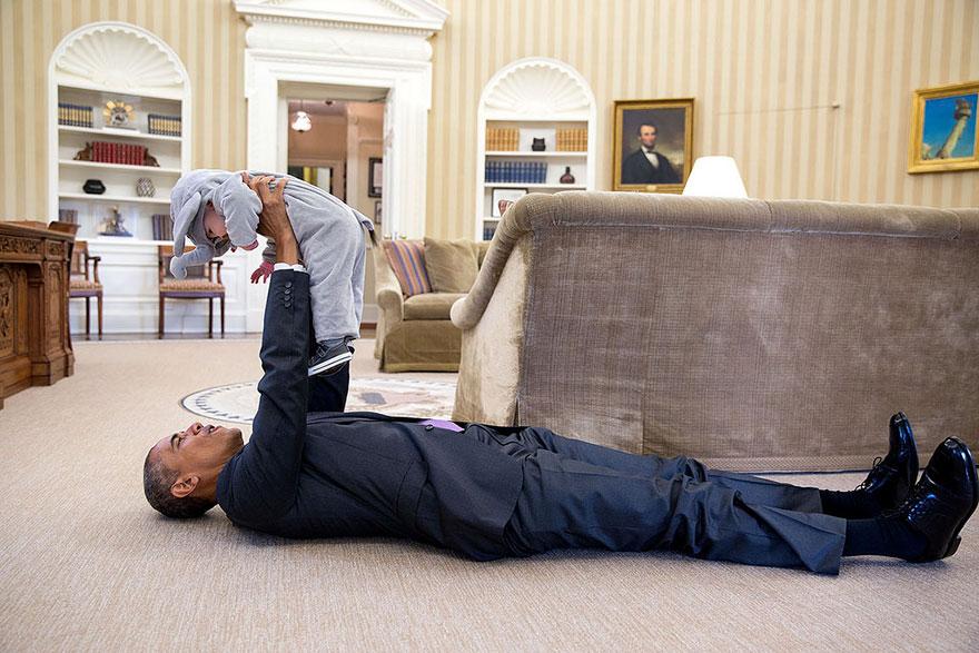 Barack Obama e Ella Rodi, figlia del vice consigliere per la sicurezza nazionale Ben Rhodes