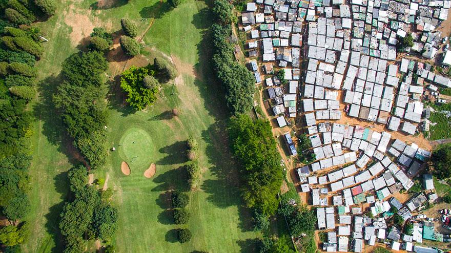 άνιση-σκηνές-drone-φωτογραφία-ανισότητας-Νότια Αφρική-Johnny-Miller-10