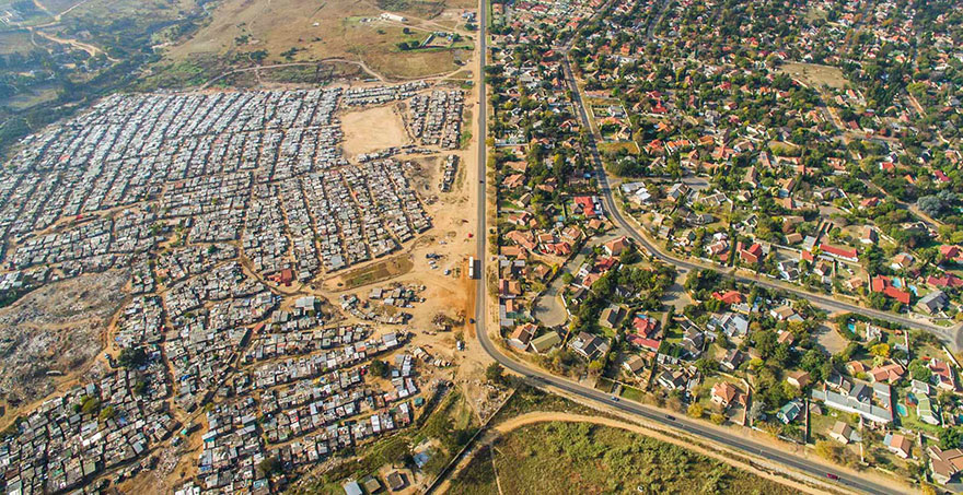 άνιση-σκηνές-drone-φωτογραφία-ανισότητας-Νότια Αφρική-Johnny-Miller-13