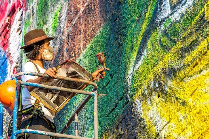 world largest mural street art las etnias the ethnicities eduardo kobra rio olympics brazil 1 - Murais de Graffiti de Eduardo Kobra pelo mundo