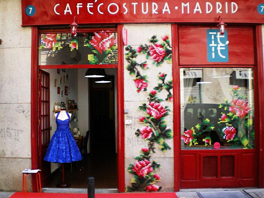 floral-cross-stitch-street-installations-raquel-rodrigo -2