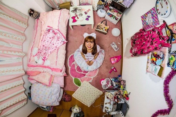 Tokyo, Japan, Ryoko, 25-Year-Old Information Technology Engineer